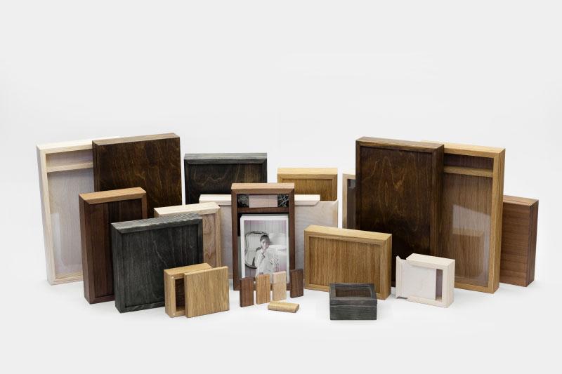 Деревянная коробочка с фотографиями
