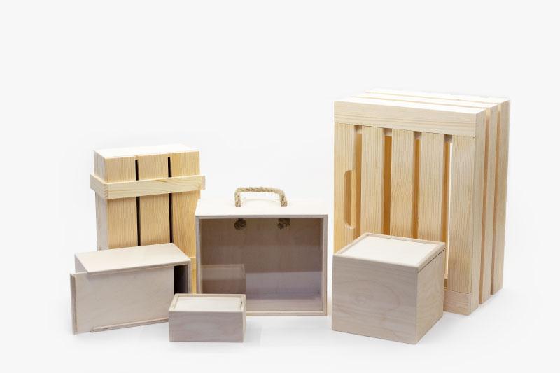 Деревянные ящики и коробки для подарков